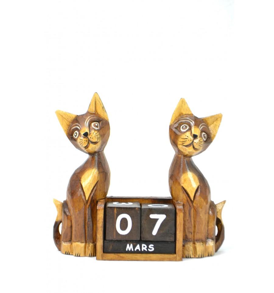 Calendrier en bois statuettes chats cadeau institutrice for Objet deco pas cher