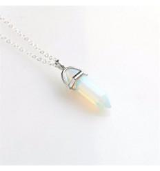 Collier avec pendentif pointe en Opalite. Amour, Sensualité, Intuition.