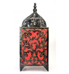 Umore lampada artigianale in ferro battuto, decorato in stile barocco originale.