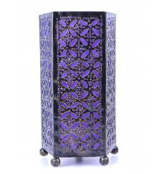 Comodino lampada da tavolo orientale, mobili in ferro battuto a buon mercato. Marocchino camera.