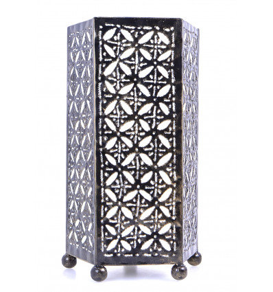 Lampada da comodino etnico in ferro battuto. Deco orientale del marocco.