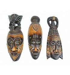Le maschere africane in legno non sono costosi. L'acquisto di deco africani non costoso.
