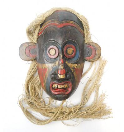 Masque primitif arts premiers Bornéo. Décoration cosmopolite chic.