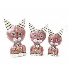 3 statuettes cute cats in wood, deco room girl.