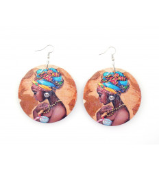 Boucles d'oreilles grand modèle - Jolie femme avec turban wax africain coloré