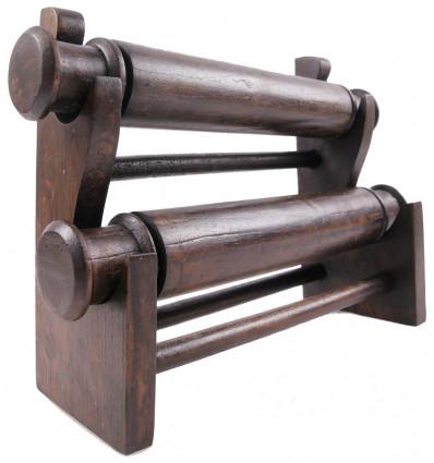 gioielli esporre braccialetti e orologi in legno originale ed economico.