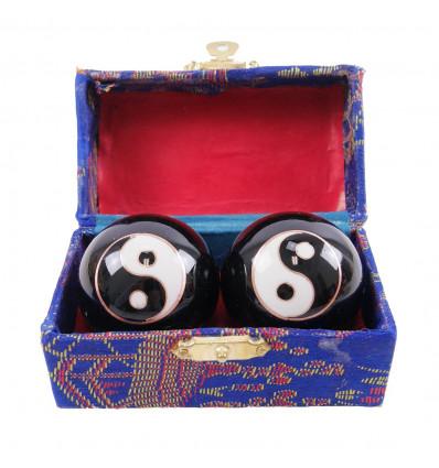Balls massage Qi Gong pattern, Yin Yang