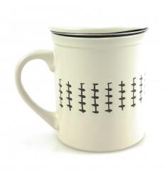 Mug infuseur à thé 340ml. Style ethnique blanc cassé.