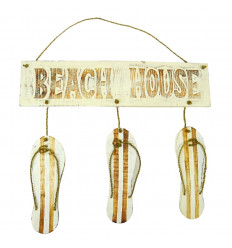 "Door plate with flip flops decor and ""Beach House"" inscription - white color front view"