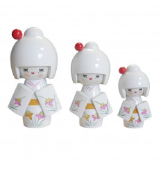 Lot of 3 wooden Kokeshi dolls. Japanese happiness gate - white color - face
