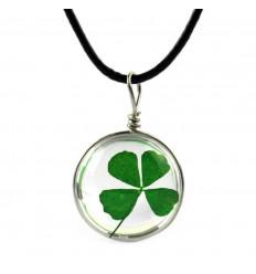 Collier Porte Bonheur avec pendentif Trèfle à 4 feuilles. Livraison Gratuite !